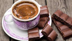Охтирчанину присудили 1 рік в'язниці за любов до кави й шоколаду