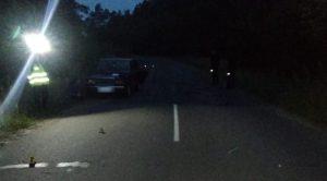 На Сумщині дівчина в темряві вибігла на зустріч мотоциклу та попала під колеса